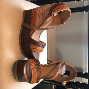 Missimo brand brown braided wedges!